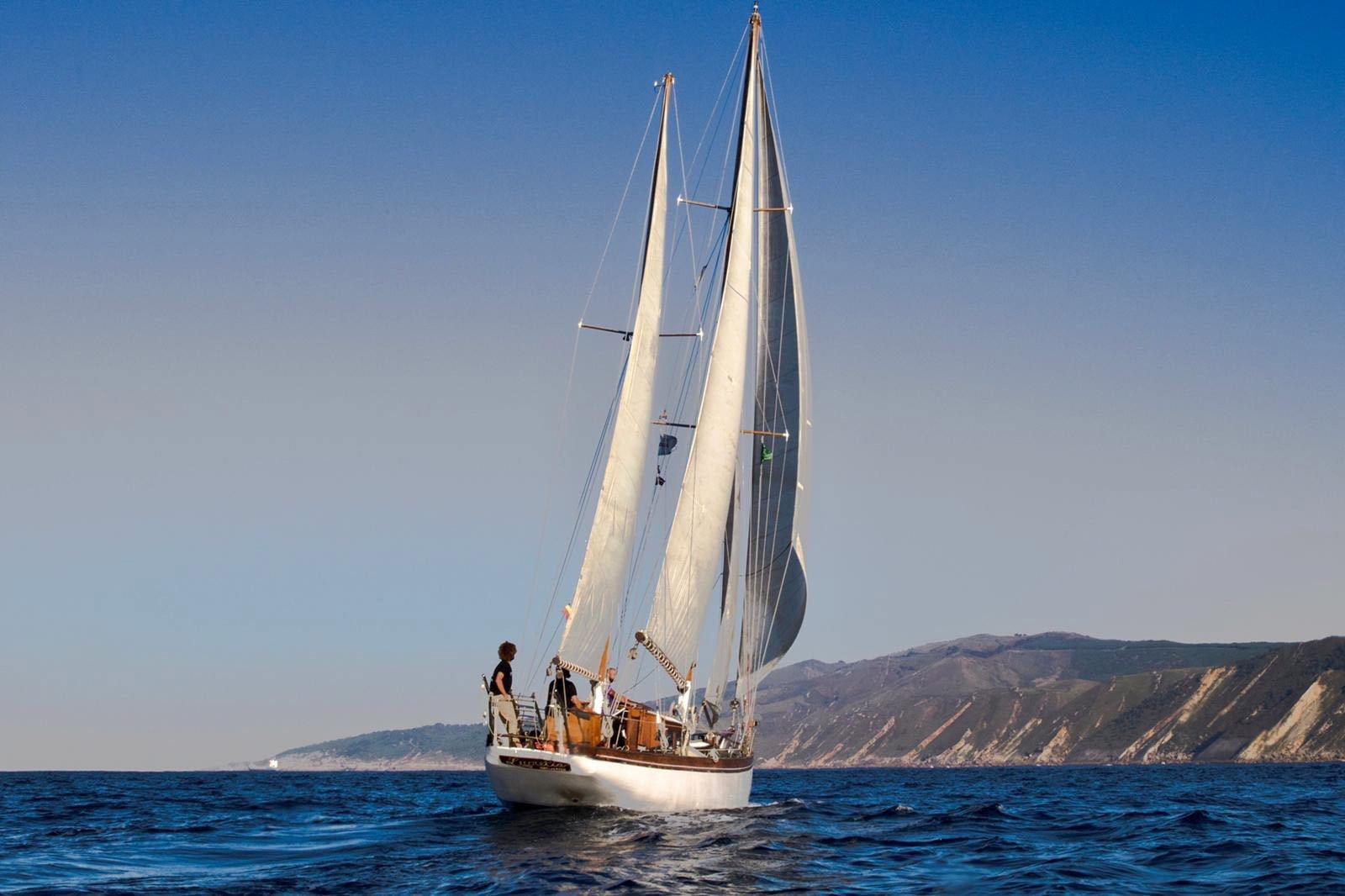 San Sebastian sailing day trip